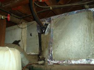 Central heat/air ripped out; replaced with trash. TAPED!